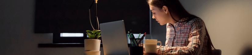 cómo ajustar tu vida entre el trabajo y una carrera vespertina
